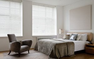 White wooden venetian blinds 11