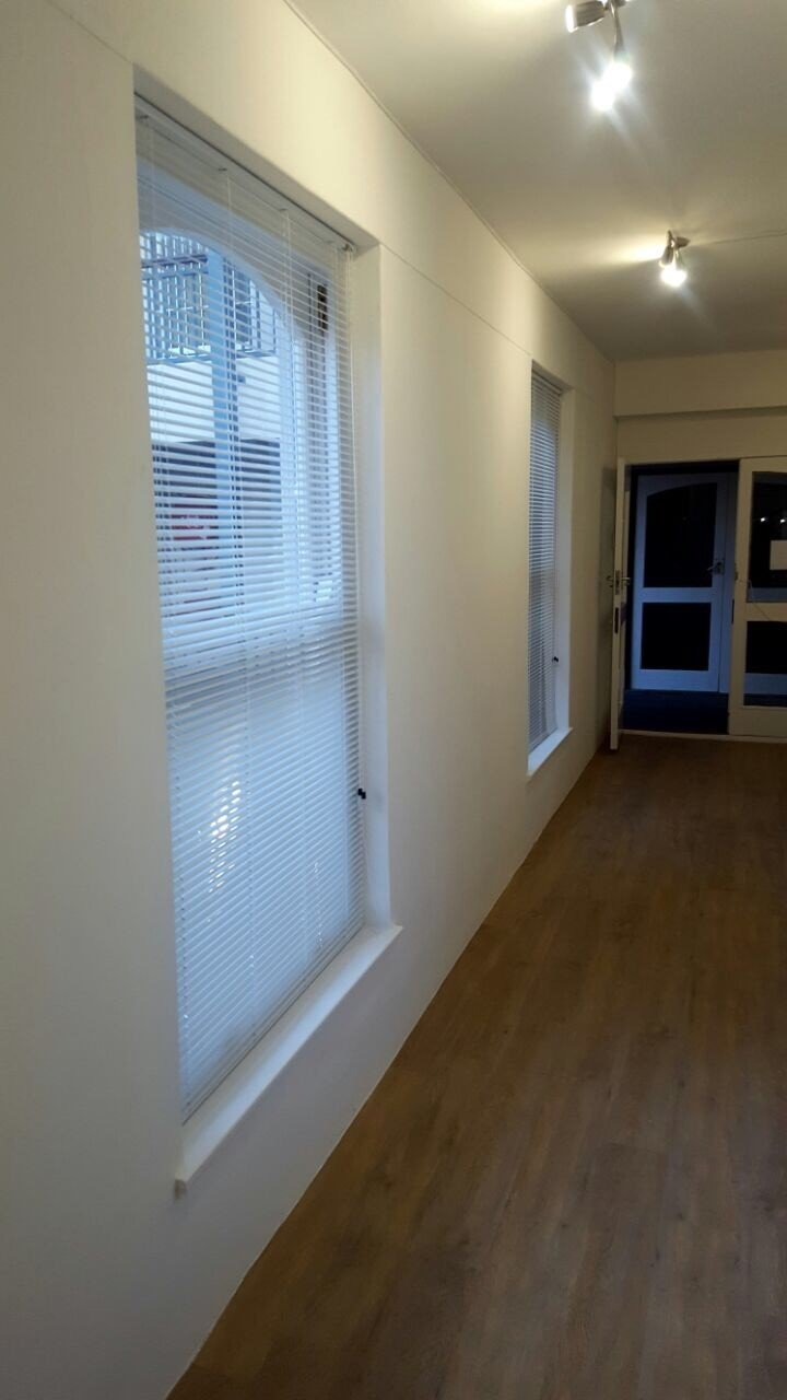 25mm Aluminium venetian blinds white