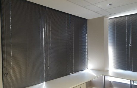 25 mm aluminium venetian blinds
