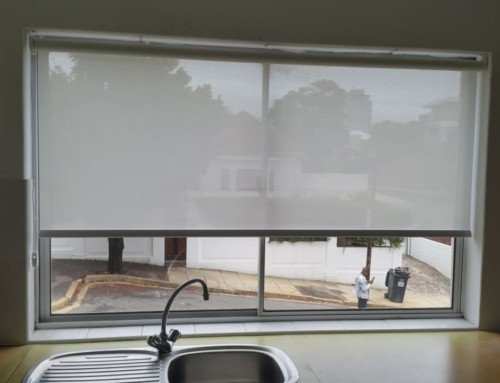 Getting a headache in the kitchen? Fit your kitchen windows with sunscreen roller blinds.